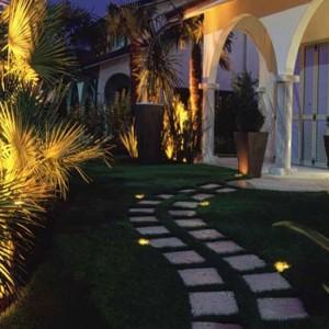 iluminacion-jardines-piscinas-madrid-04